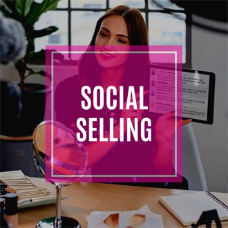 social selling pillar page cover, girl live video